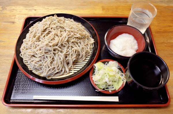 地粉切り【大盛550g】(800円)+鯖出汁変更(0円)+とろろ(100円)