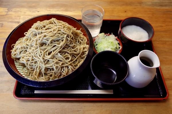 ダッタン蕎麦【特盛700g】(800円)+とろろ(100円)+鯖出汁変更(0円)