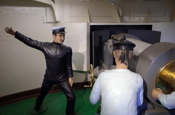 砲撃室のマネキン
