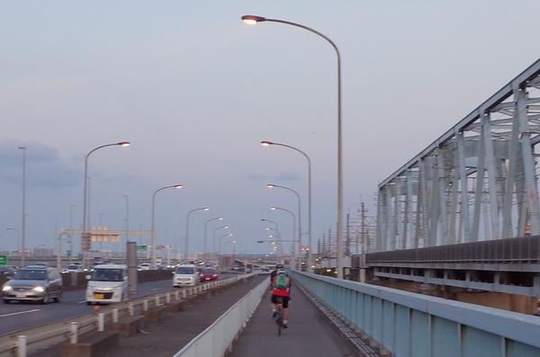葛西大橋を渡る