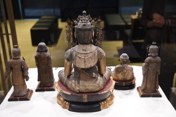 十一面観音坐像(「日吉山王二十一社本地仏」のうち)5