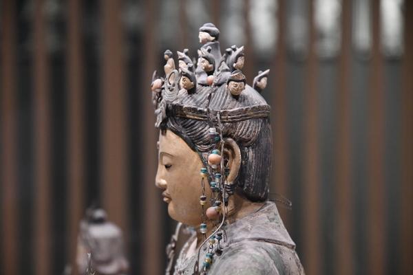 十一面観音坐像(「日吉山王二十一社本地仏」のうち)3