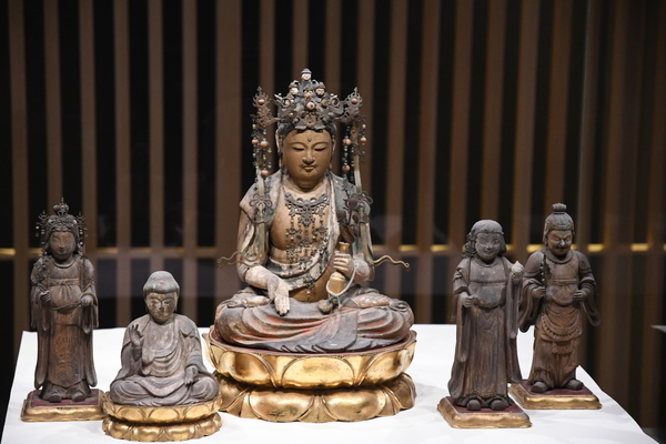 十一面観音坐像(「日吉山王二十一社本地仏」のうち)1