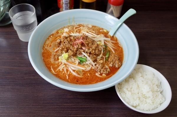 担々麺(800円)+大盛(0円)+ライス(0円)
