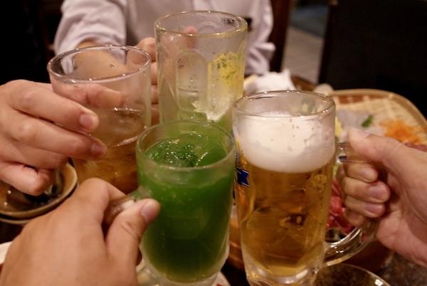 四人で乾杯