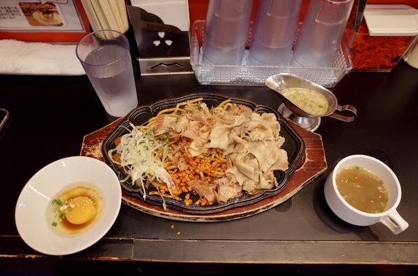 肉盛り【大】ソース焼きそば(1150円)+無料トッピング①⑦⑧