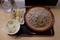 もりそば(360円)+大盛(100円)+季節の野菜天【ナス】(100円)