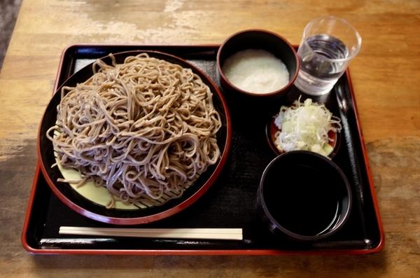 田舎蕎麦【大盛550g】(650円)+とろろ(100円)+鯖出汁変更(0円)