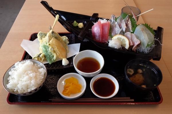 葉武里定食(1400円)