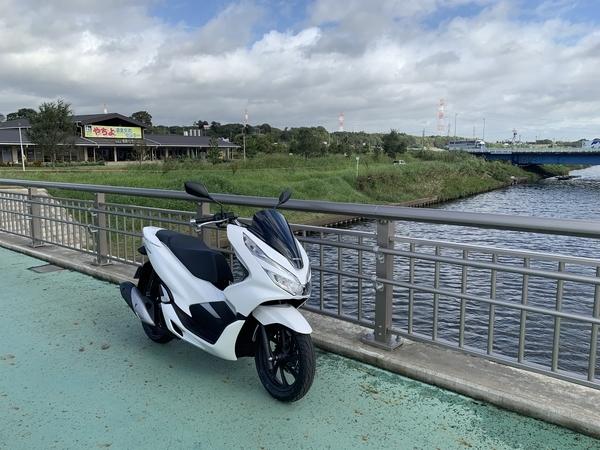 新川とPCX150