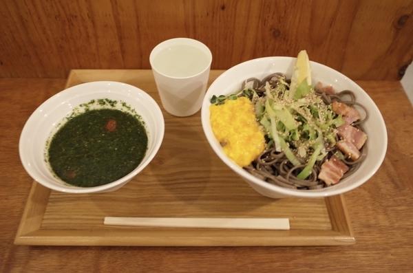 バジル冷そば(900円)+大盛(0円)