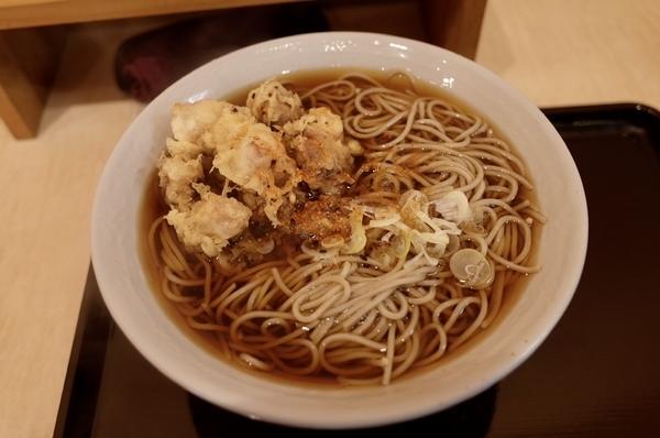 げそ天ぷらそば(490円)+大盛【1.5倍】(100円)