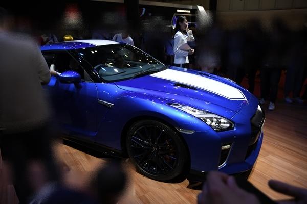 青いGT-R