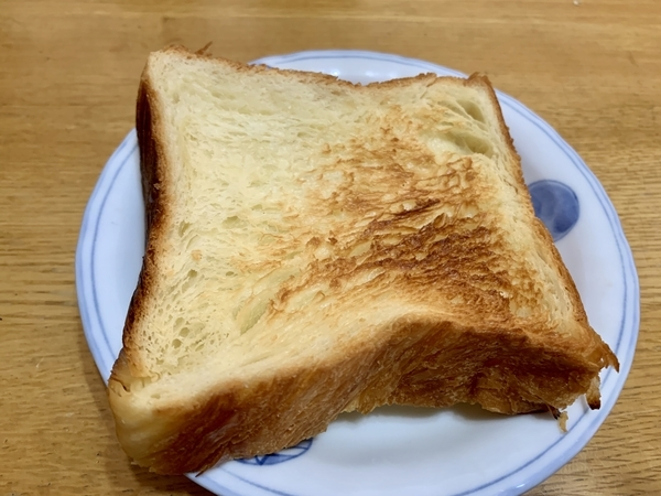 焼いたデニッシュパン