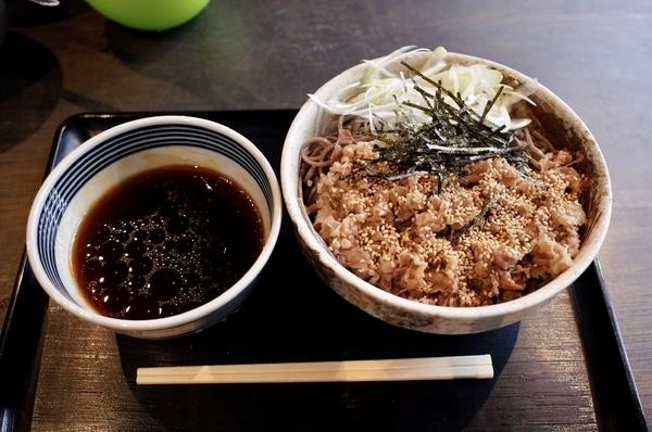 肉そば【冷】(780円)+大盛り(0円)