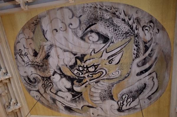 仏殿天井の「白龍図」