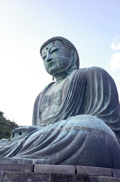 鎌倉大仏(右斜下から)