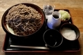 細麺・ダッタン蕎麦【特盛700g】(800円)+とろろ(100円)+鯖出汁変更(0円)
