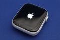 箱から取り出したApple Watch series 4の交換機