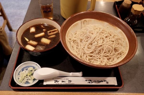 メガ盛り鴨せいろ(1600円)
