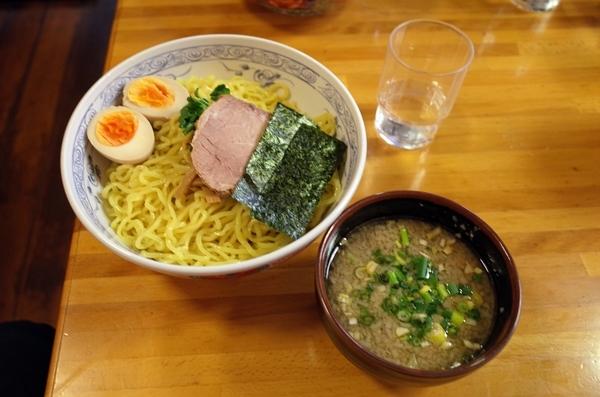 つけ麺醤油味(850円)+大盛(200円)+半熟煮玉子(100円)