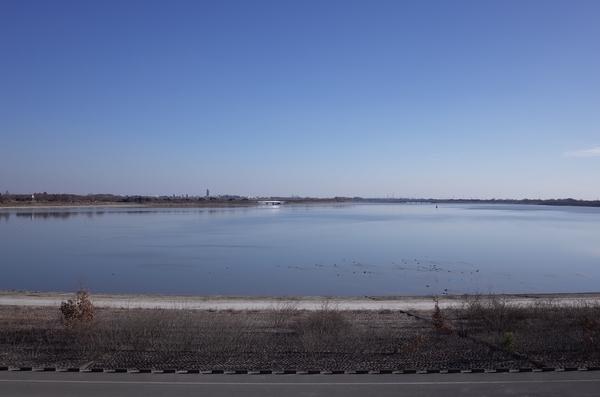 展望台から見た谷中湖