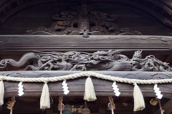 二宮神社の彫刻