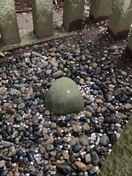 凸型の要石
