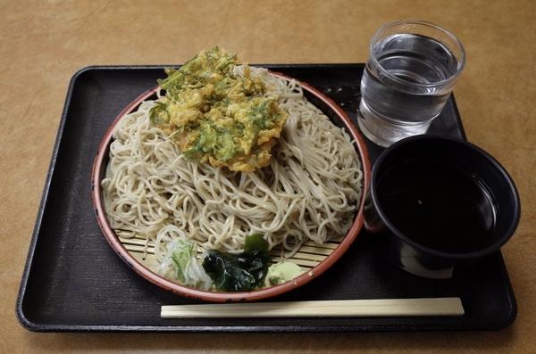 もりの特盛(560円)+かき揚げ(140円)