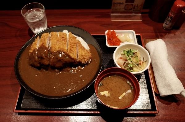カツカレー(730円)+大盛(50円)