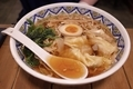 正油ワンタン麺(930円)