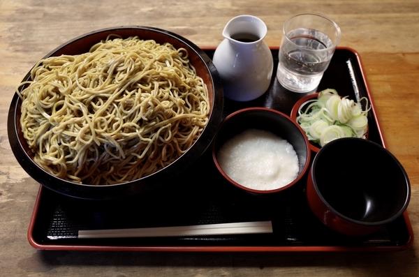 ダッタン蕎麦【大盛700g】(800円)+とろろ(100円)+鯖出汁変更(0円)