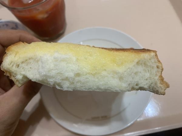 トーストの断面