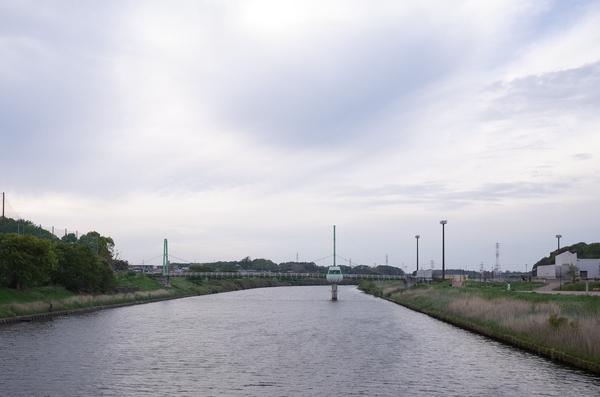 新川のゆらゆら橋