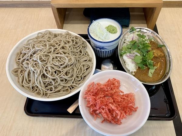 紅生姜天もりそば(510円)+特盛(200円)+スパイシーチキンカレー(350円)