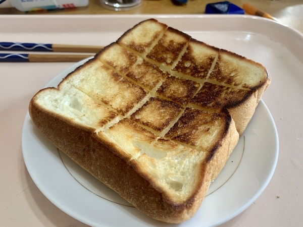 フライパンで焼いた角食パン