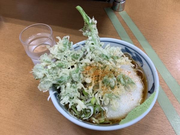 冷春菊天そば(460円)+とろろ(120円)+大盛り(80円)