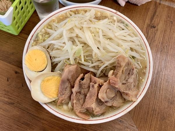 小ブタ(800円)野菜+ネギ(100円)+煮玉子(100円)
