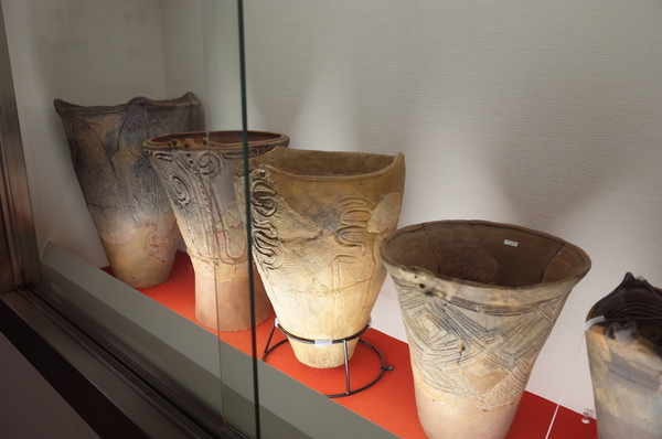 加曾利式土器の展示