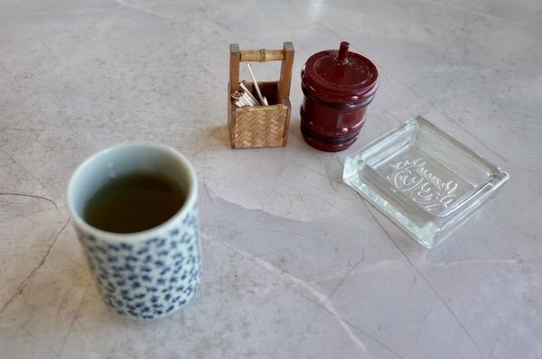 お茶と山椒と楊枝と灰皿
