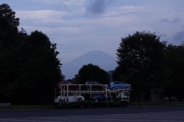 鮎沢PA(下り)から見た富士山