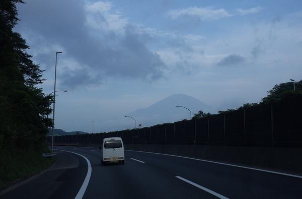 東名なら見えた富士山