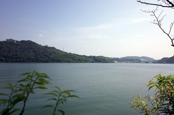 ベイガーデンから見た浜名湖
