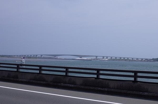 西浜名橋から浜名大橋を望む