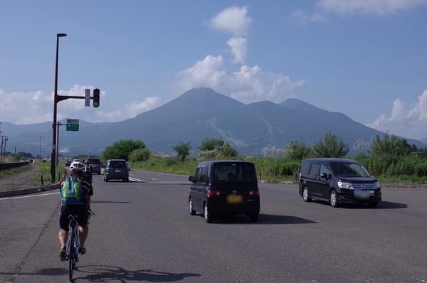 磐梯山に向かって走れ