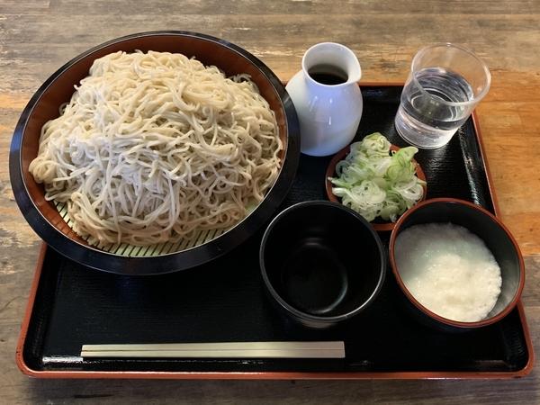更科蕎麦【特盛700g】(800円)+鯖出汁変更(0円)+とろろ(100円)