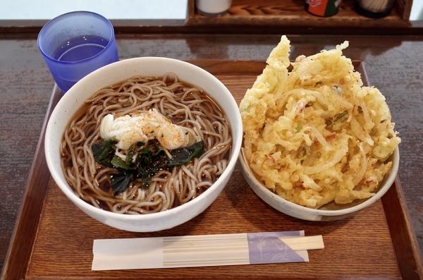 温・そば(320円)+大盛(100円)+かき揚げ(110円)