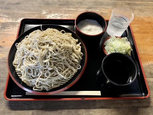 地粉切り【大盛500g】(800円)+とろろ(100円)+鯖出汁変更(0円)
