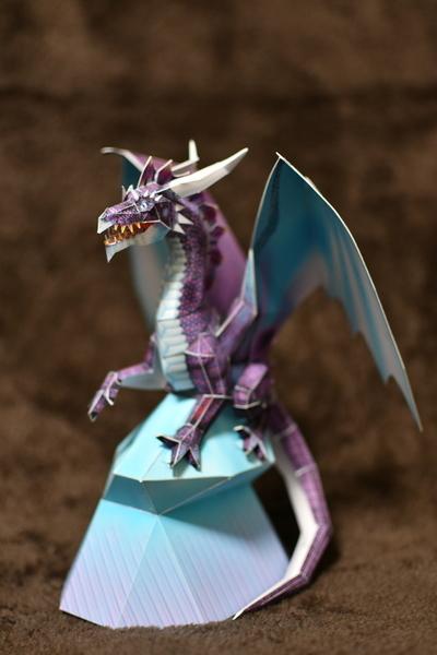 次男作ペーパークラフトのブルードラゴン2