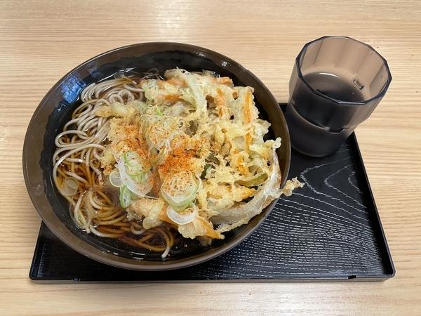 かき揚天そば(460円)
